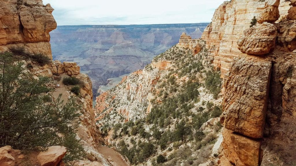Best Views & Hikes in the Ground Canyon