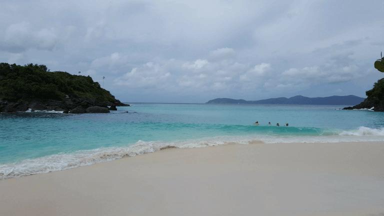 The gorgeous Trunk Bay Beach