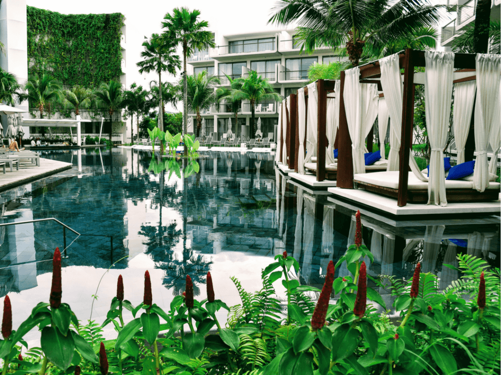 An-image-showing-5-star-luxury-in-Phuket