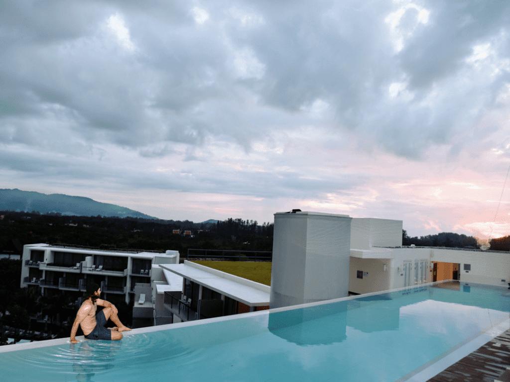 An-image-showing-an-amazing-5-Star-Luxury-Pool-Phuket