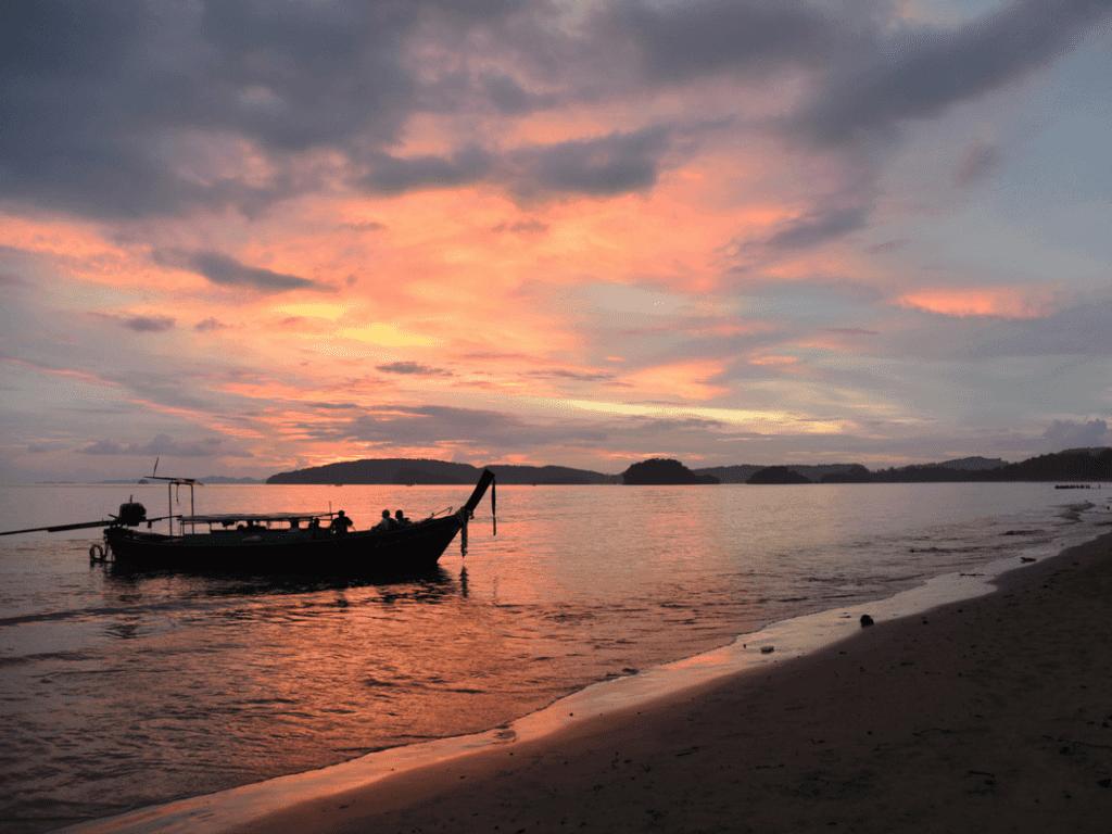 An-image-showing-the-amazing-sunset-Krabi
