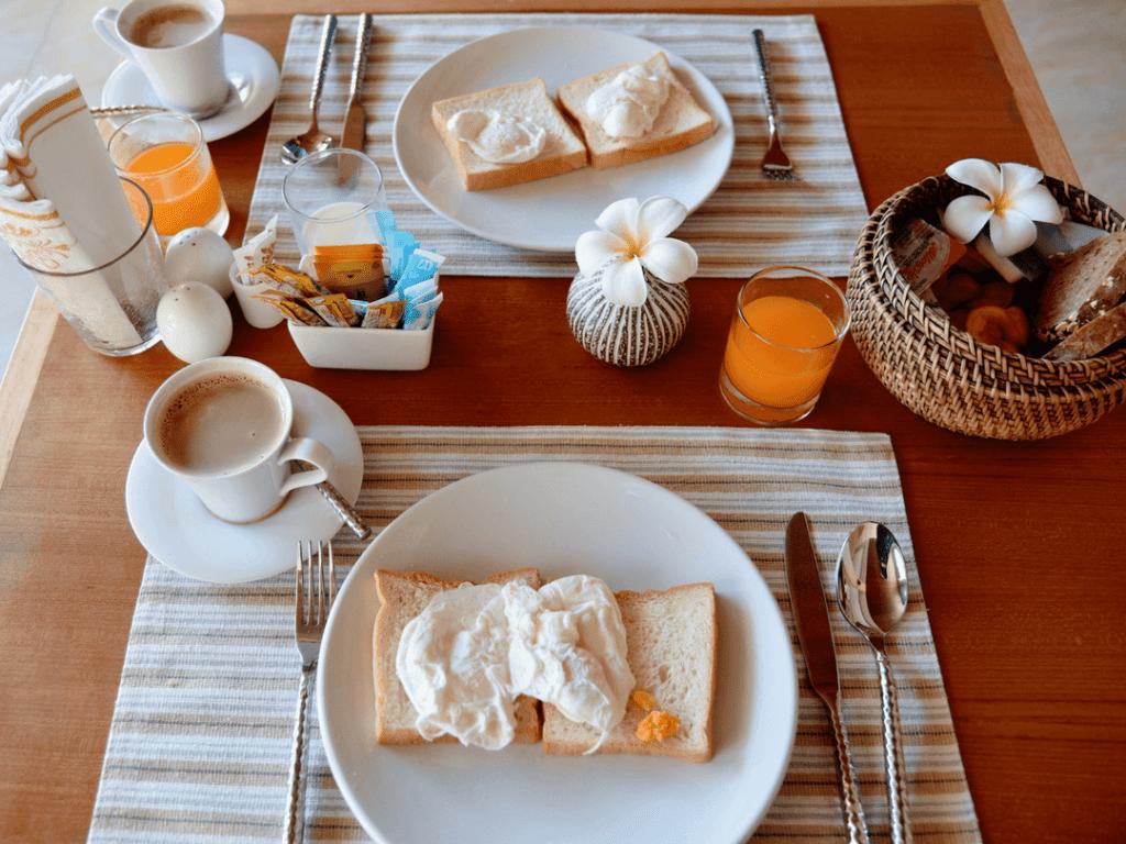 An-image-of-best-breakfast-on-Aonang-Beach