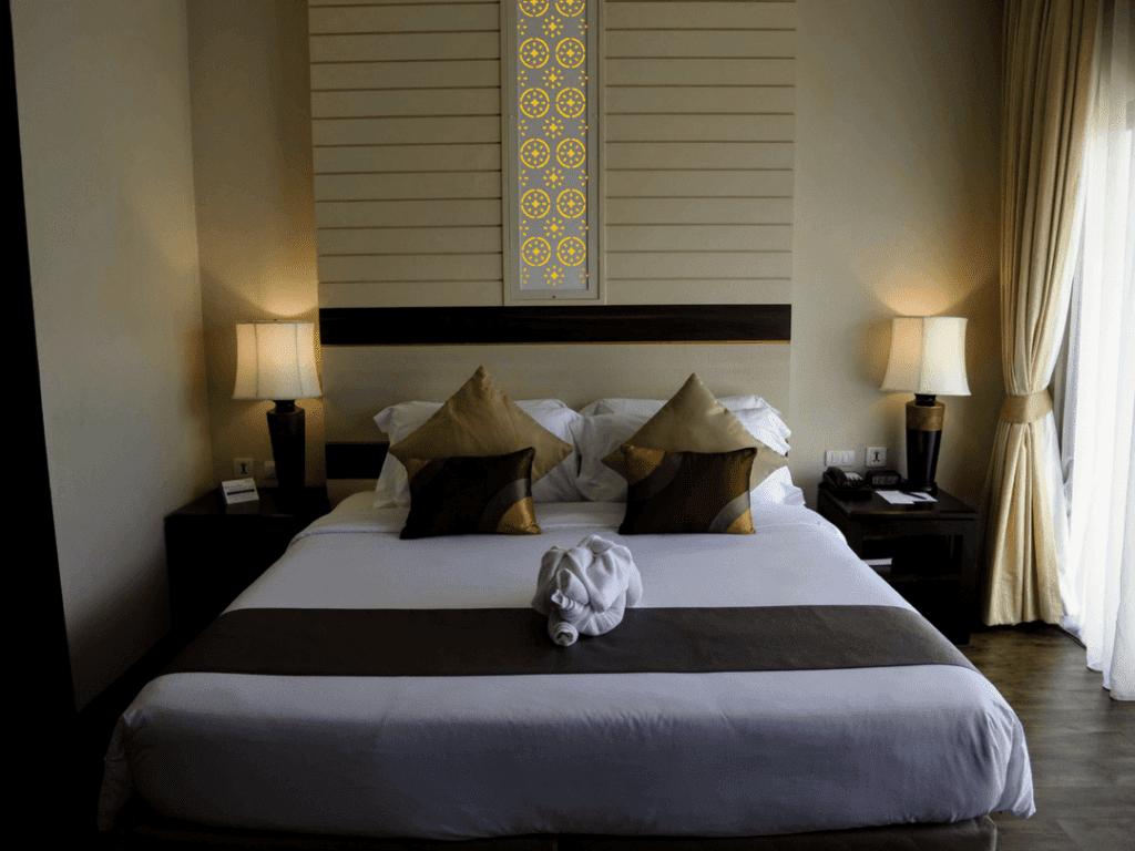 Deevana Plaza honeymoon room