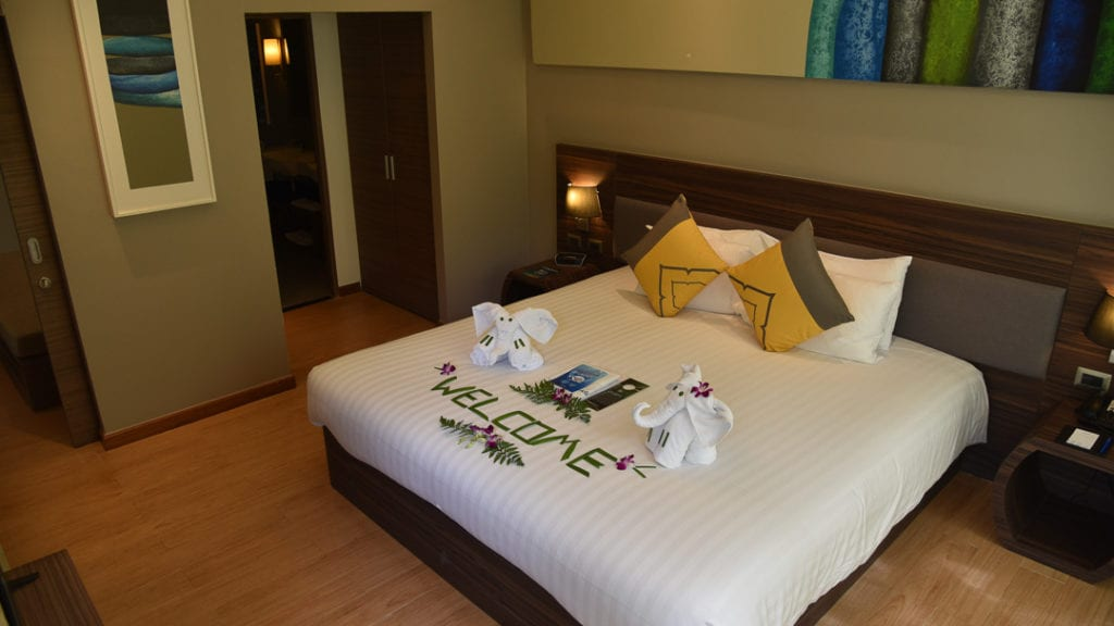 best-place-to-stay-karon-beach