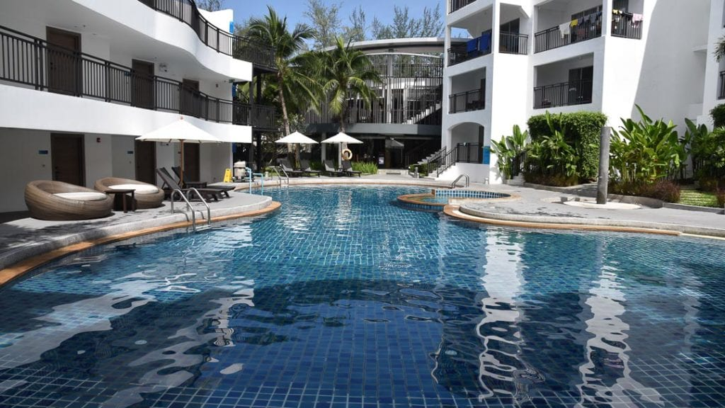 best-place-to-stay-karon-bech