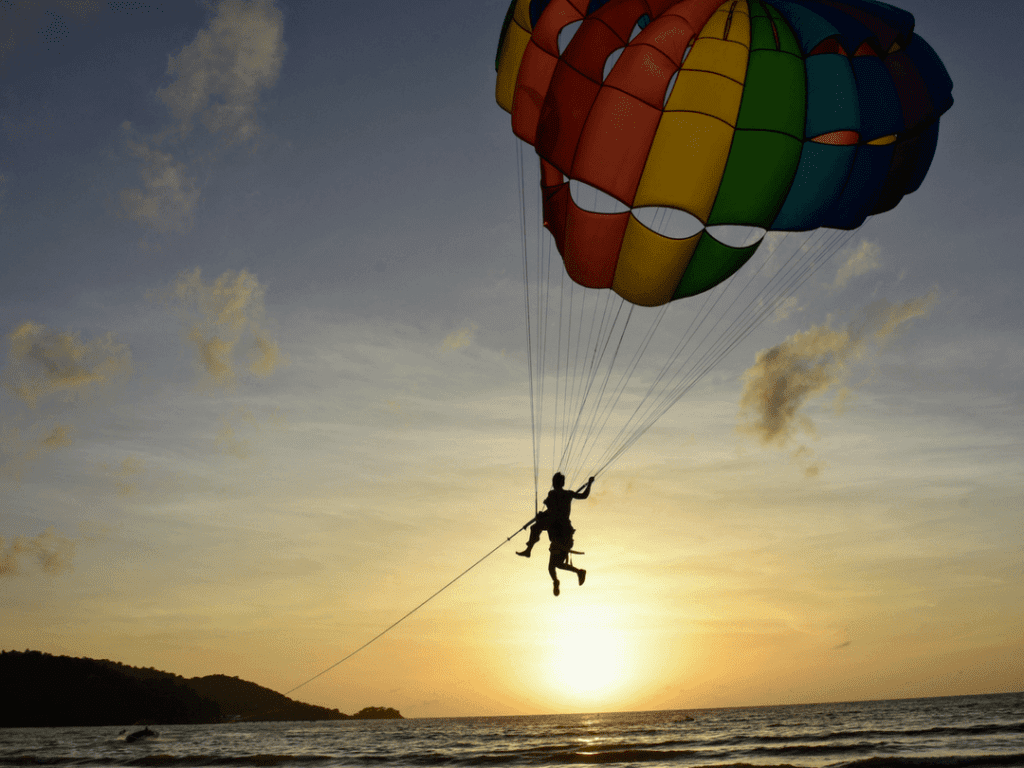 Patong Beach Sports Kite Surfing