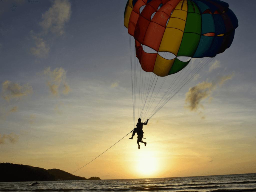 Patong Beach Sports Kite Surfing