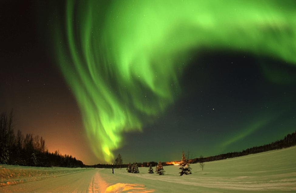 honeymoon-iceland-northern-lights