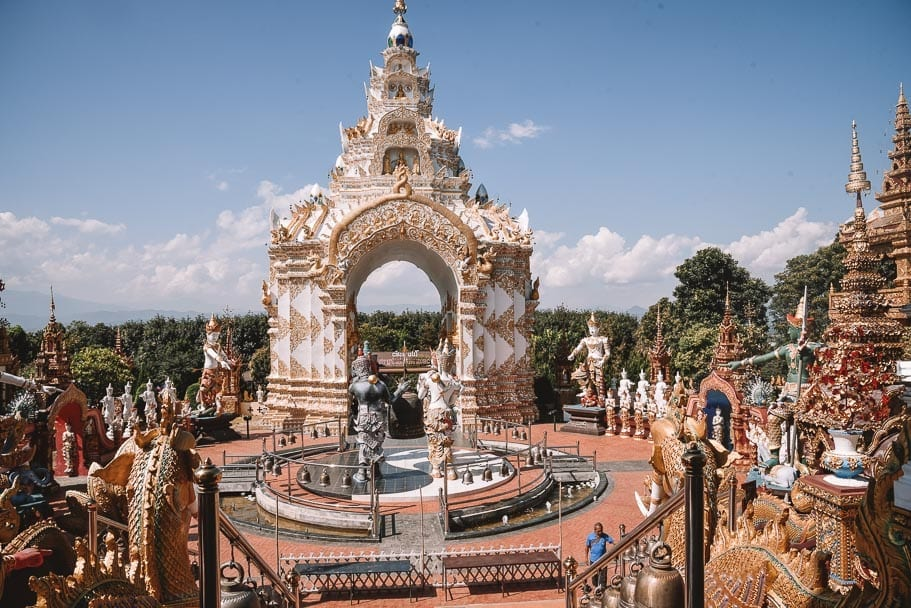 Chiang Mai to Wat Rong Khun, Chiang Mai, Chiang Rai, Wat Rong Khun, White Temple, Blue Temple, Lotus Temple, Chiang Rai Temples, Tour Chiang Rai, Tour Chiang Mai, Take Me Tour, Foot Spa Chiang Rai, Wat Sang Kaew Phothiyan, Local Table, Wat Rong Seur Ten, Blue Temple Chiang Rai, Veranda High Resort Chiang Mai, Where to Stay Chiang Mai, Luxury Accommodation Chiang Mai, chiang mai to chiang rai, chiang mai to chiang rai, drive from chiang mai to chiang rai, things to do between chiang mai and chiang rai, drive from chiang mai to chiang rai, drive from chiang mai to chiang rai, black temple chiang rai, chiang rai blog