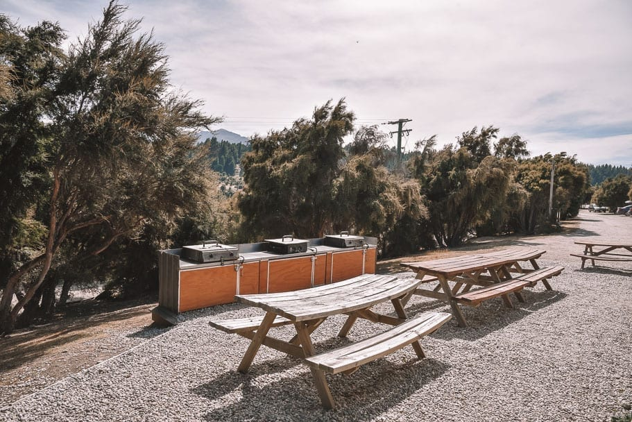 lake-outlet-holiday-park, where-to-stay-lake-wanaka, campsite-lake-wanaka, lake-wanaka-accommodation