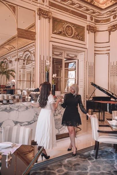 best paris lunch, le lobby restuarant, L'oiseau Blanc Restaurant, peninsula paris hotel, michelin star restaurants paris lunch, best restaurants in paris, paris restaurant with a view, paris restaurants with a view