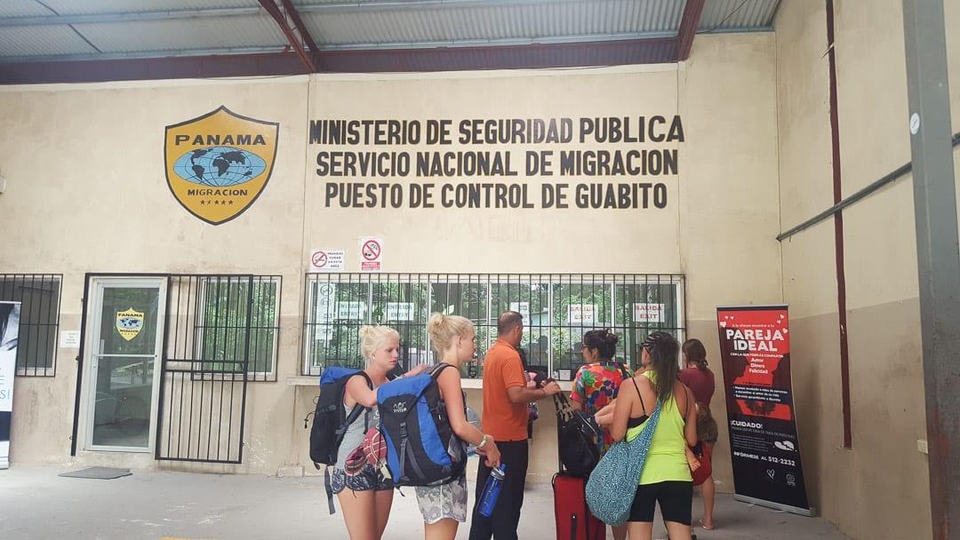 sixaola-panama-immigration