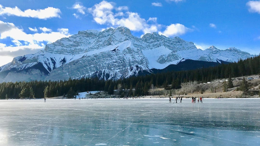 frozen-lake-two-jack-winter-banff-alberta-canada
