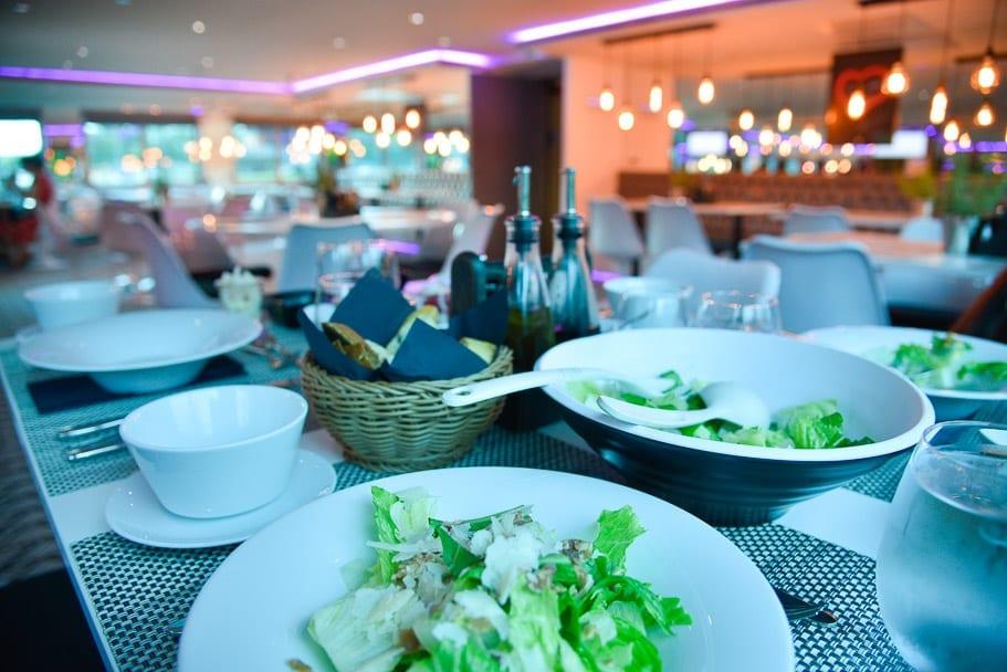 U-river-cruise-family-dining-restaurant