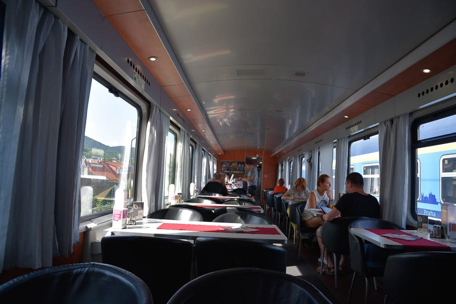 Dining-car-budapest-train