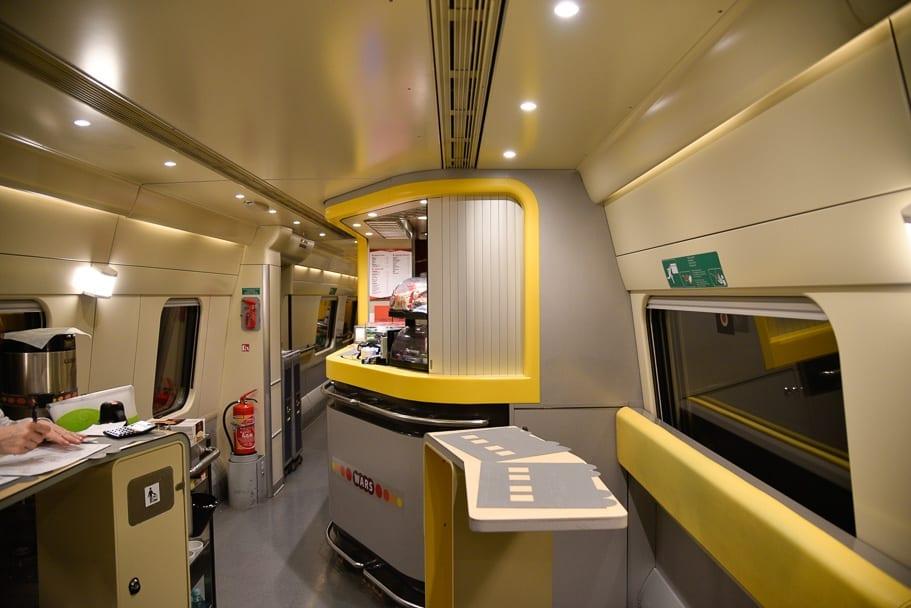 dining-car-express-premium-train-gdansk