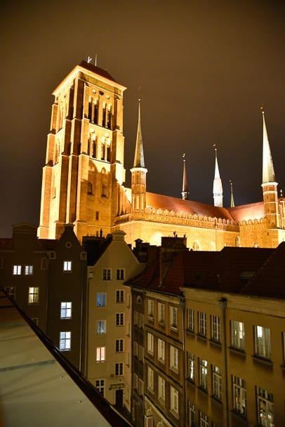 Hampton-by-Hilton-Gdansk-night-view