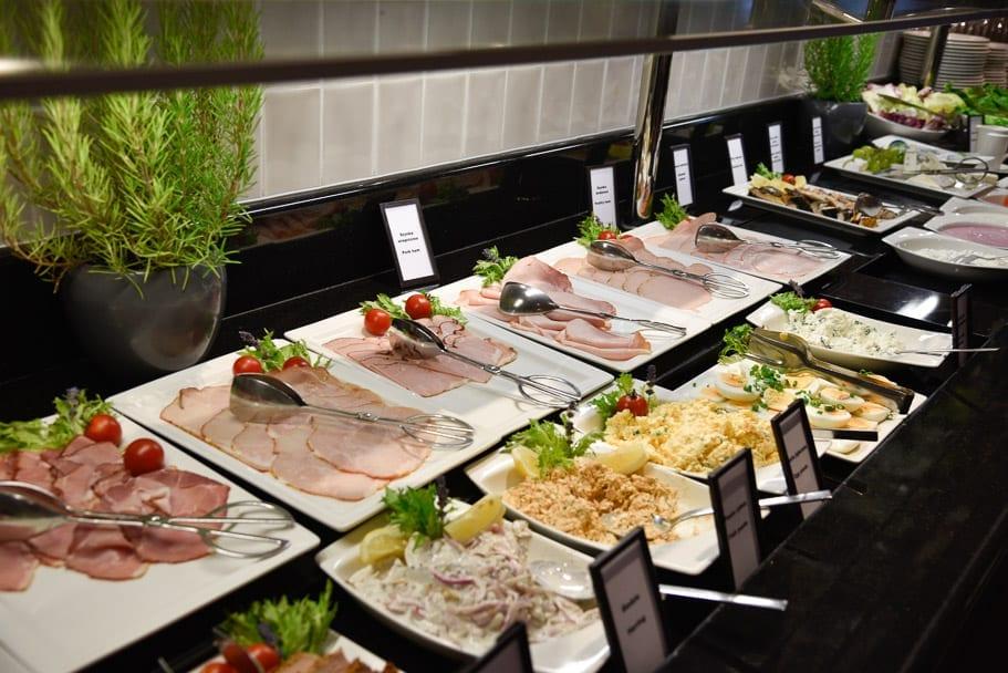 Hilton-Gdansk-breakfast