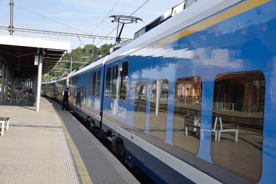 prague-wroclaw-train-at-prague-station
