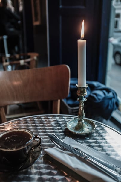 at-home-date-night-ideas-candles