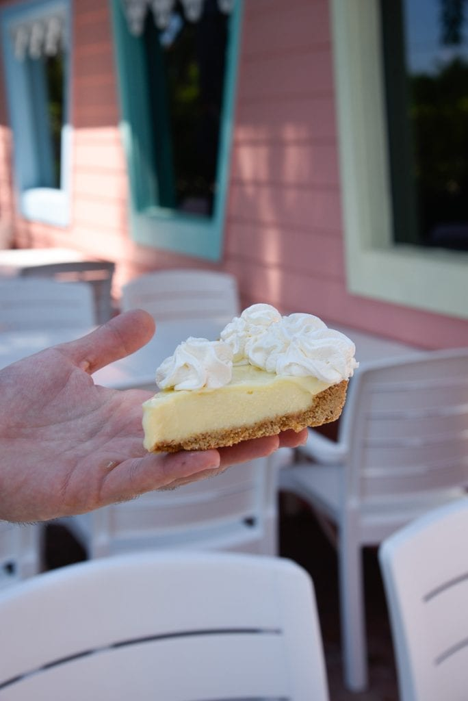 best-key-lime-pie-key-largo-mrs-macs