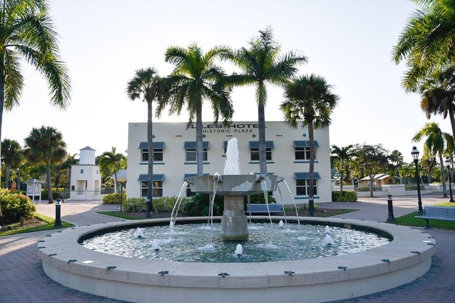 Bonita-Springs-Riverside-Park