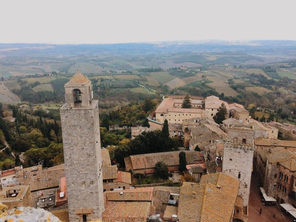fairytale-towns-in-europe-San-Gimignano-Italy