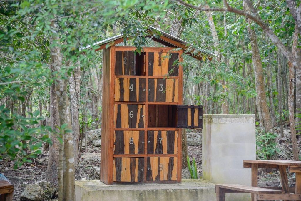 cenote-carwash-lockers