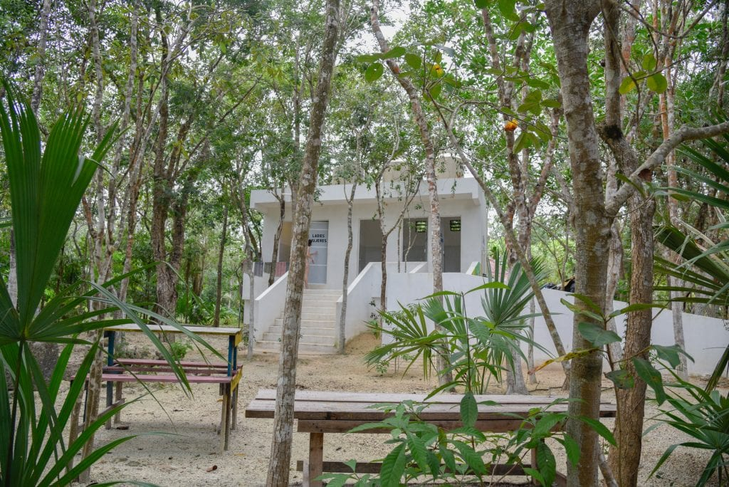 cenote-carwash-toilets