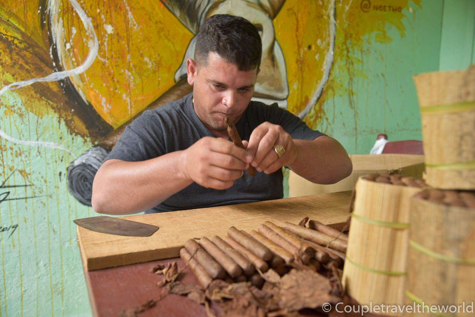 cuban-cigar-tour-vinales