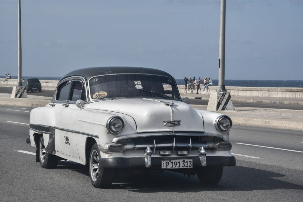 things-to-do-in-Havana-cuba-vintage-cars-collectivo-taxi