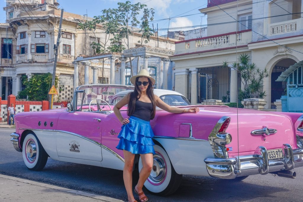 things-to-do-in-havana-Ride-in-a-Vintage-Car