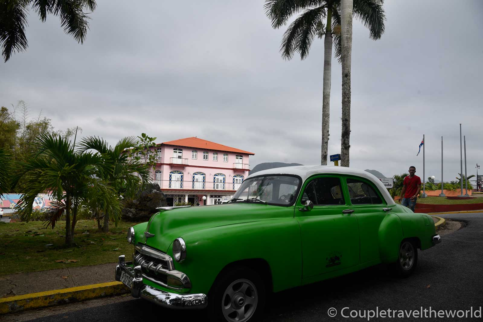 classic-american-car-tour-to-vinales
