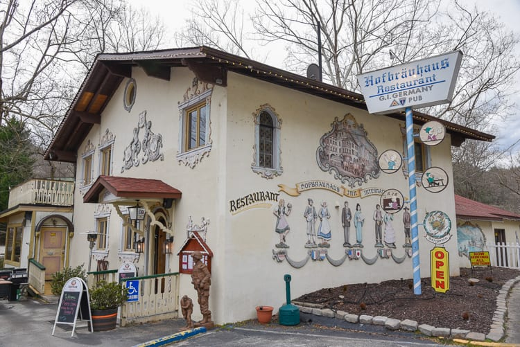 helen-ga-hofbrauhaus-restaurant-german-pub