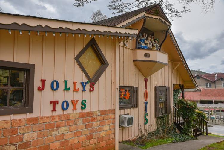helen-ga-jolly-toys