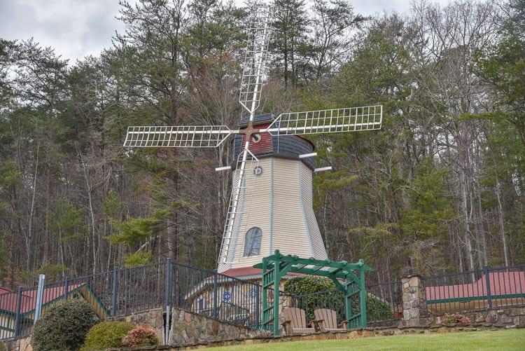 helen-ga-windmill
