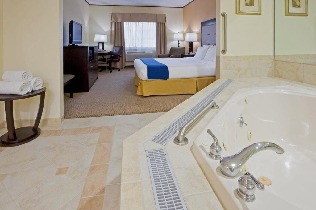 hot-tub-suites-in-new-jersey