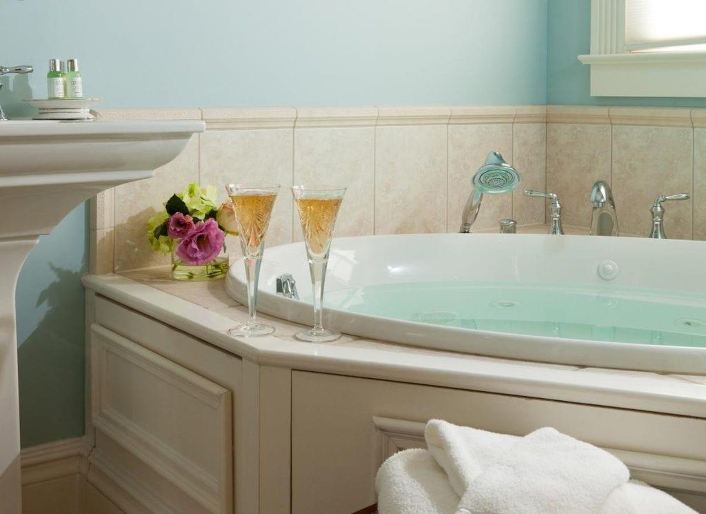 romantic-whirlpool-suites-nj
