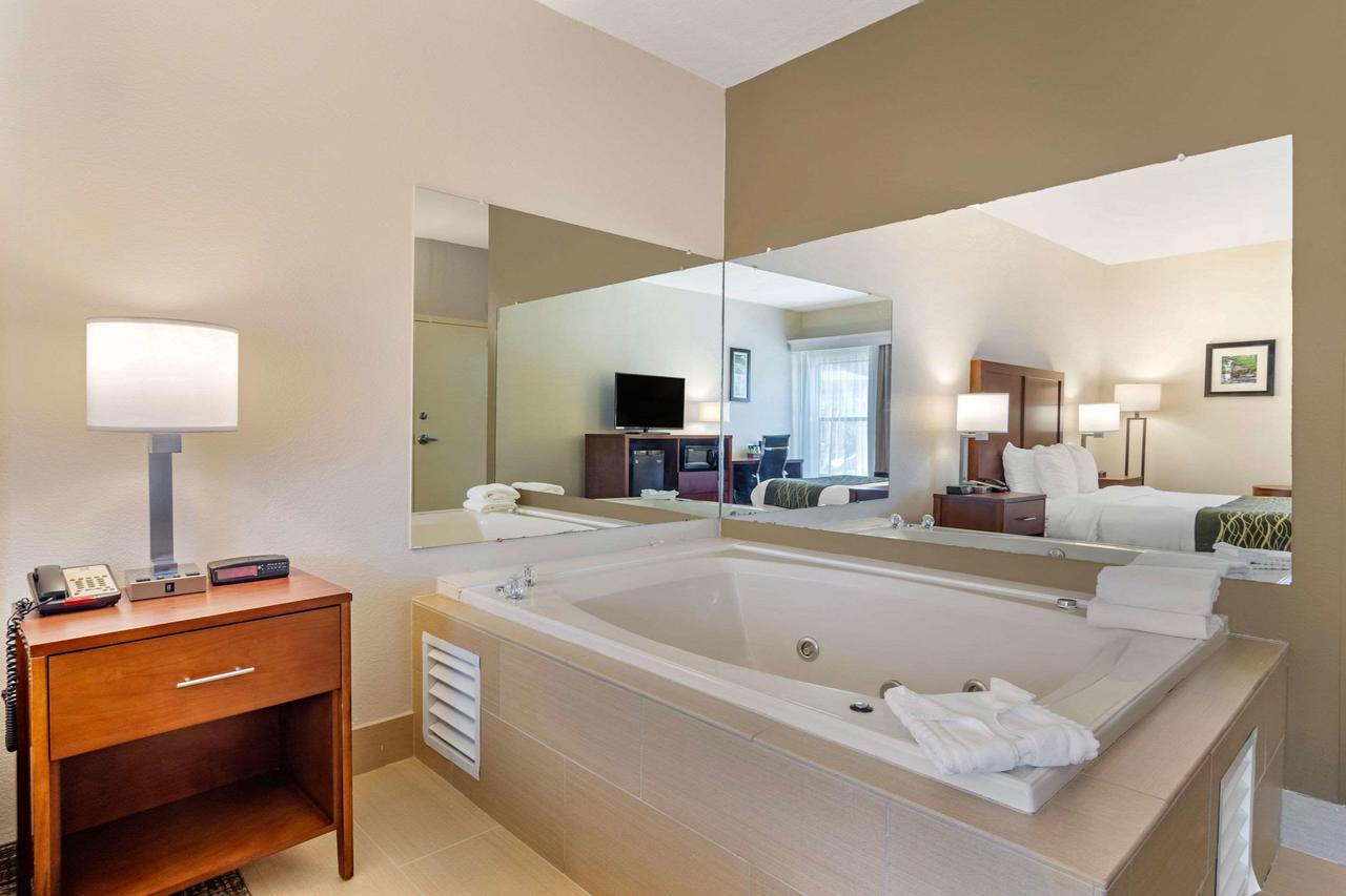 best-whirlpool-suites-in-atlanta