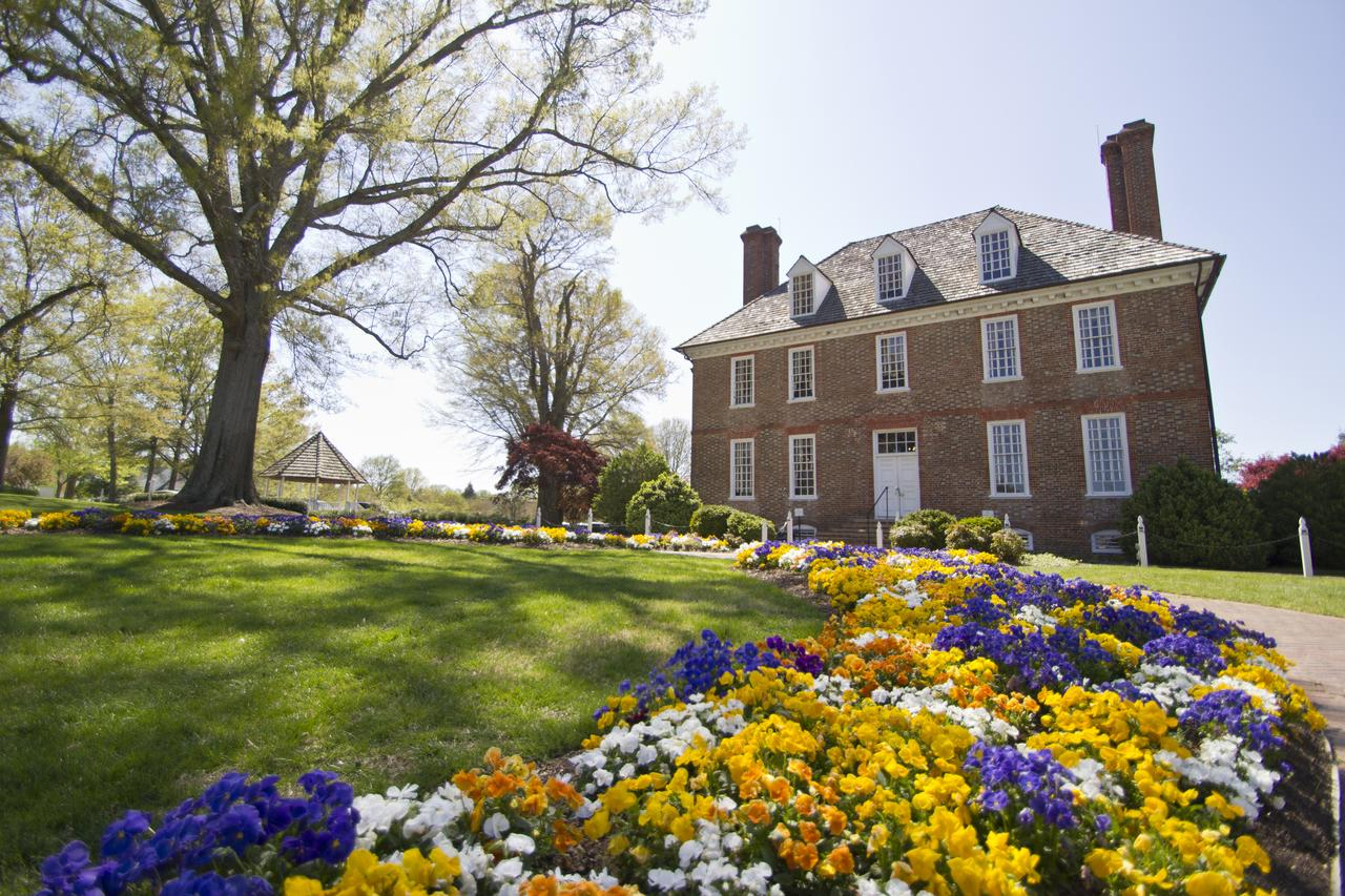 places-to-stay-virginia-romance