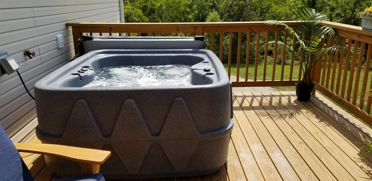 outdoor-hot-tub-hotel-for-couples