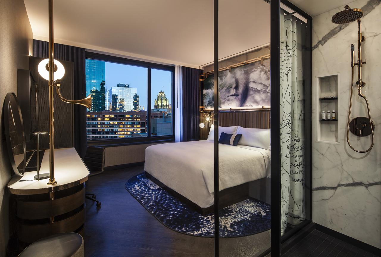 romantic hotels in Chicago - Hotel EMC2, Autograph Collection