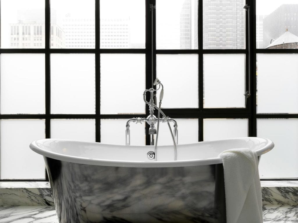 38 + Romantic Hotels in NYC with Jacuzzi In Room