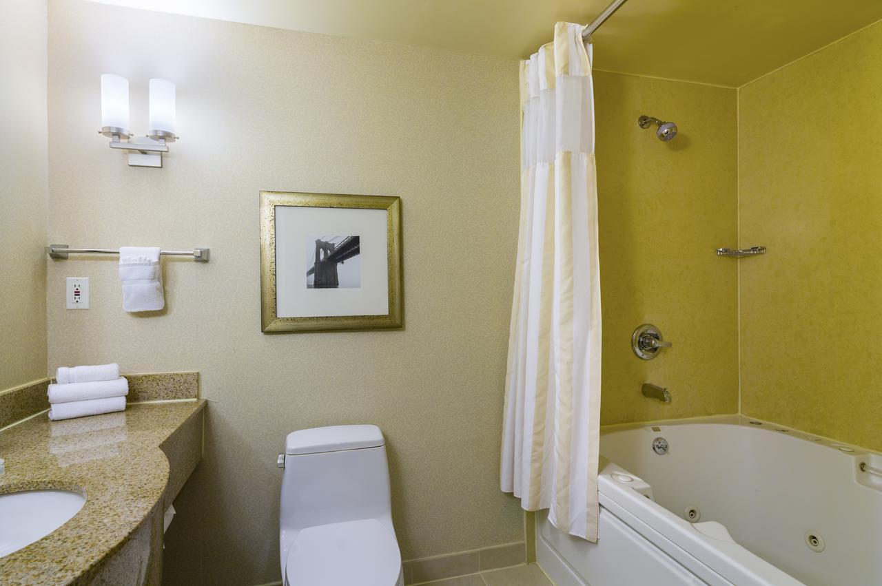 new-york-city-jacuzzi-suites