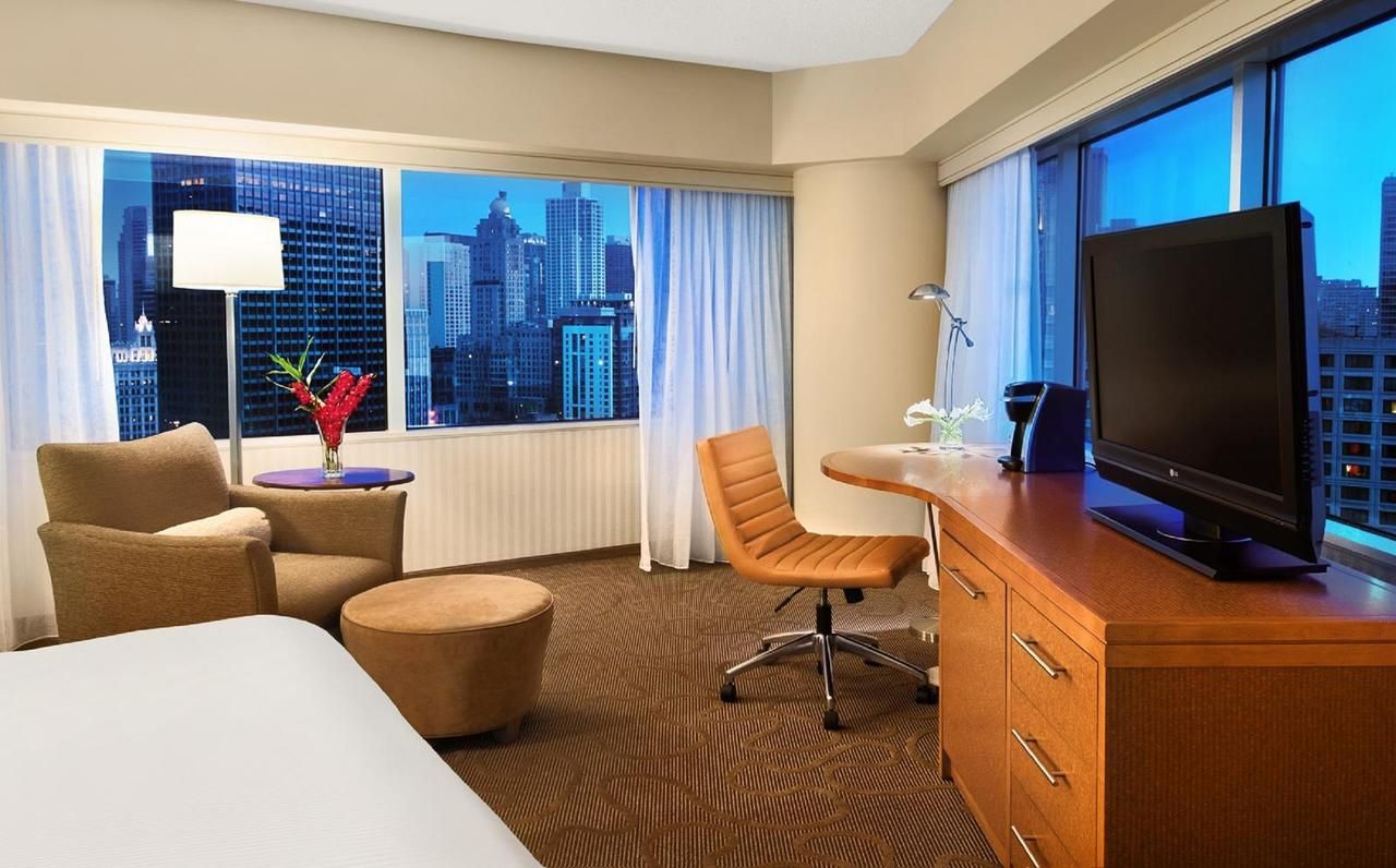 romantic hotels in Chicago - swissotel