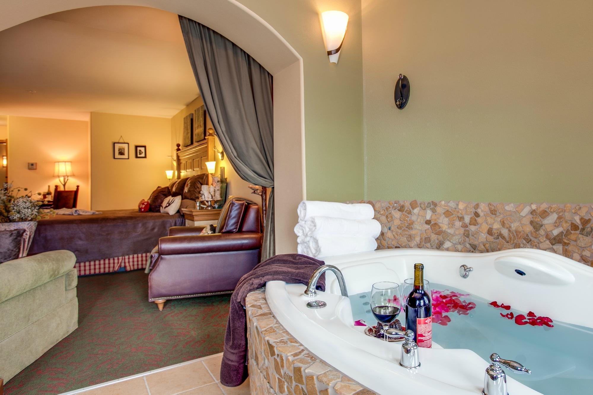 bavarian-lodge-hot-tub-hotel