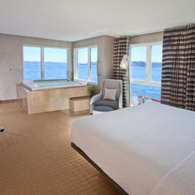 Romantic Seattle Hotels with Jacuzzi In Room (Hot Tub, Whirlpool Suites!)